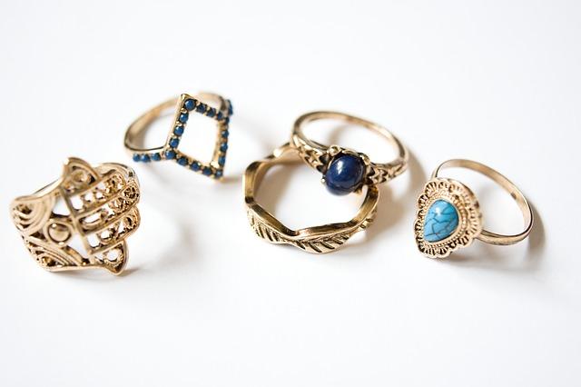 תכשיטים מחמיאים