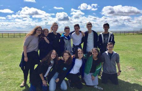 בנינוערמגבעת שמואל יצאו להשתתף במחנה קיץ של תנועת הנוער היהודית JLGB בלונדון