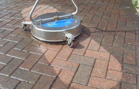 ניקוי בלחץ מים גבוה כפתרון היעיל והזול ביותר לניקוי כתמים קשים