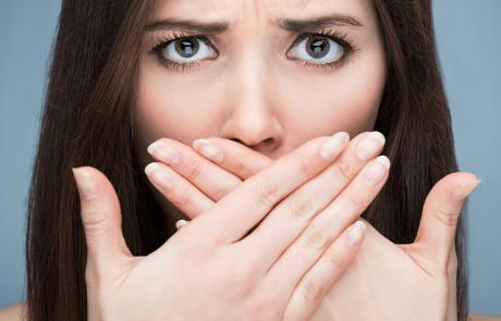 ריח רע מהפה – מה גורם לו ואיך מטפלים?