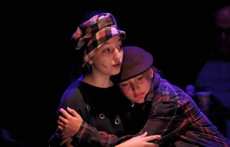 'תיאטרון עדות': תלמידי התיכון הופיעו על הבמה, ובקהל לא נותרה עין יבשה