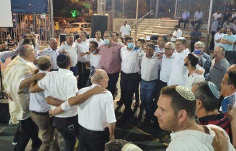 בתפילה, שירה וריקודים – גבעת שמואל חוגגת את יום ירושלים
