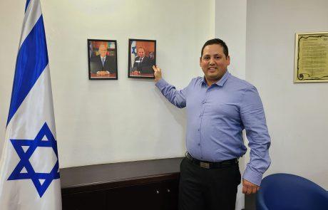 נפתלי בנט: תמונות ראש הממשלה החדש ניתלו באולם המליאה